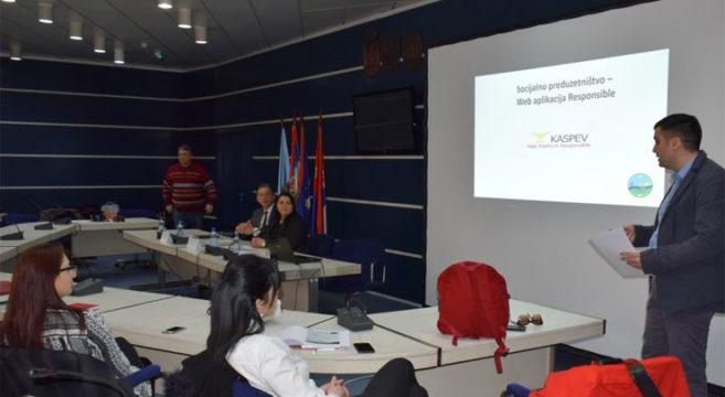 Фото: Представљање апликације за запошљавање социјално угрожених група кластера Каспев Фото: Покрајинска влада