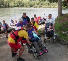 Osobe sa posebnim potrebama spuštali se niz brzu reku