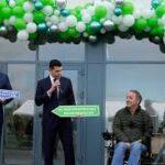 Paralizovani Rus napravio fabriku invalidskih kolica, mogu da se pokreću i disanjem